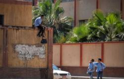 «جاري ملاحقة الهارب»..مواطن يقتحم مدرسة ويعتدي على وكيلتين المدرسة بـ«خرطوم والشوم»