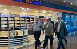 وزير الطيران المدني يتفقد مطاري القاهرة وشرم الشيخ (صور)
