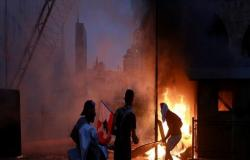 لبنان.. قطع للطرقات في عدد من المناطق احتجاجا على ارتفاع أسعار المحروقات