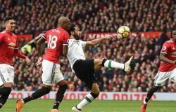 صدام ناري بين ليفربول ومانشستر يونايتد في قمة الدوري الإنجليزي