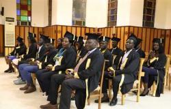 الكنيسة الأسقفية تحتفل بتخريج ٢٦ طالبًا سودانيًا من الجامعات المصرية