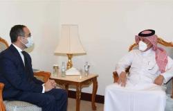 وزير الدولة القطري للشؤون الخارجية يرحب بوصول السفير المصري إلى الدوحة