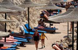 مساعد وزير السياحة: الحكومة سمحت للفنادق بالعمل بكامل طاقتها الاستيعابية