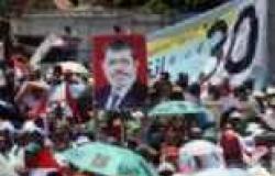 متظاهرو رابعة العدوية يطلقون الألعاب النارية