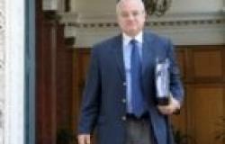 """وزير السياحة: لن أستمر في منصبي إذا بقي """"الخياط"""" محافظا للأقصر"""