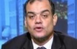 """مذيعة """"الجزيرة"""" تخطئ على الهواء وتسمّي مذيع """"مصر25"""" خميس"""