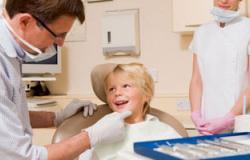كيف يحافظ طفلك على نظافة أسنانه