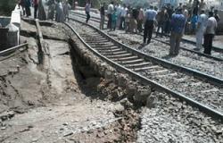هبوط أرضى يسبب قطع الكهرباء وانهيار خط سكة حديد بأسوان