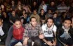 """متظاهرو رفض الطوارئ يشتبكون مع أنصار """"السيسي"""" بطلعت حرب"""