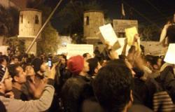 وقفة لأهالى فوه بكفر الشيخ أمام مركز الشرطة اعتراضا على ضبط ذويهم