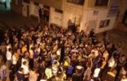 """أنصار """"المعزول"""" يشعلون سيارة شرطة أثناء مسيرة ليلية لهم في الإسكندرية"""