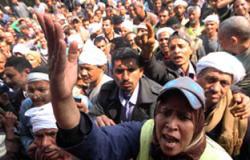 عمال النظافة بشبرا الخيمة يواصلون إضرابهم للمطالبة بالحد الأدنى للأجور