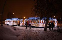 بالصور.. مصورو «بودابست» يحولون ترام المدينة إلى «آلة زمنية»