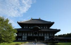 بالصور.. 100 راهب ينظفون تمثال «بوذا» في اليابان