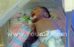 """والد الرضيع المتوفى بسبب الإهمال: """"مش هسيب حق ابنى ولا الأطباء اللى موتوه"""""""