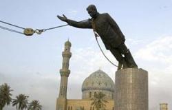 """عراقى حطم تمثال صدام حسين: ندمان ويجب محاكمة """"تونى بلير"""""""