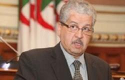 """رئيس حكومة الجزائر يلتقى وزير """"الشئون العلاقات التجارية الخارجية"""" المجرى"""